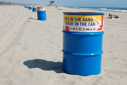 beach-trash-cans
